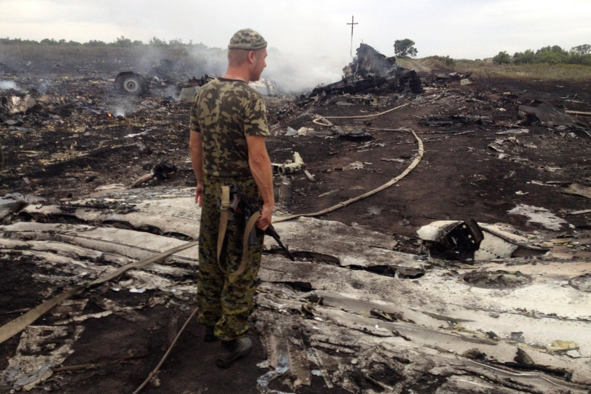 russia ukraine incident Ukraine's president put his army on combat alert thursday along the country's de-facto borders with crimea and separatist rebels in the east as a war of words between russia and ukraine threatened .