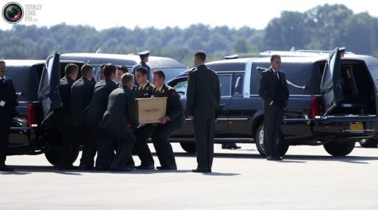 caskets_loading