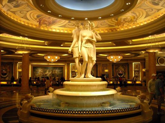 Caesars_Palace_-_Statue