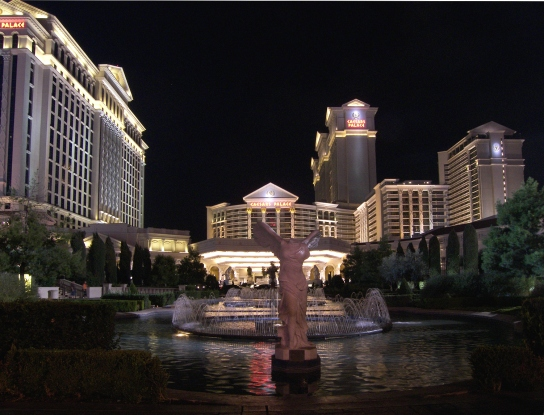 Caesars_palace_night