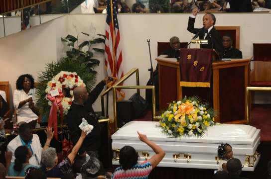 funeral-held-for-eric-garner-staten-island-man-that-died-aft-1