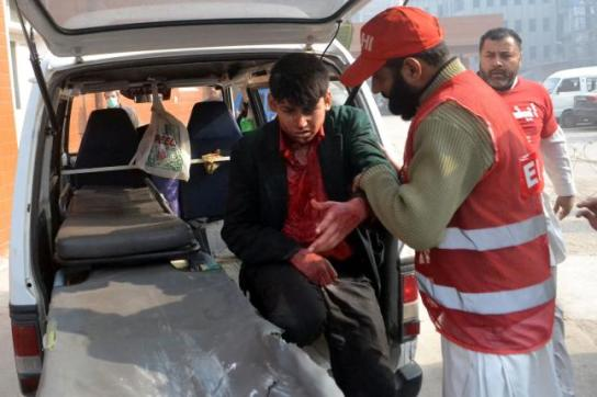 Taliban-attack-on-Pakistan-school-kills-141-mostly-children (4)
