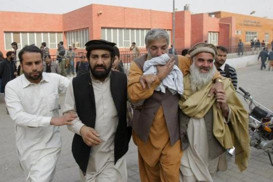 Taliban-attack-on-Pakistan-school-kills-141-mostly-children (6)