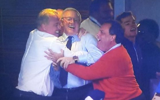 jerry-chris-jones-christie-hug