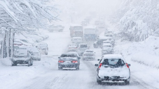 snow-travel-driving-cars-traffic-web-generic