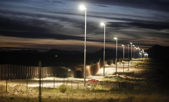 Image: The Arizona-Mexico border fence near Naco