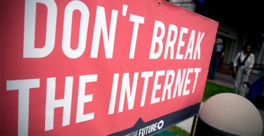 fcc-net-neutrality-internet-sign