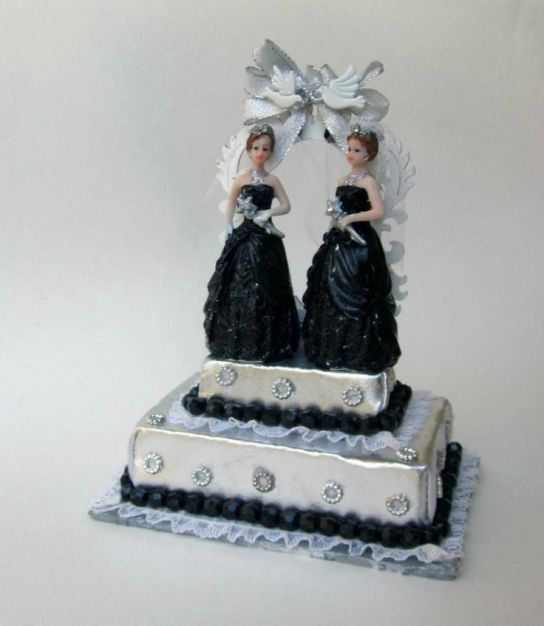 lesbian cake topper 2