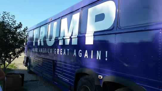 CQ trump bus