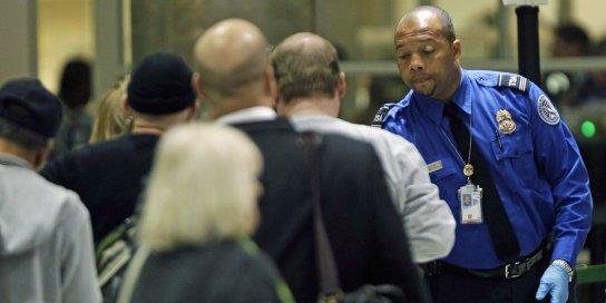 airport-security-tsa-line