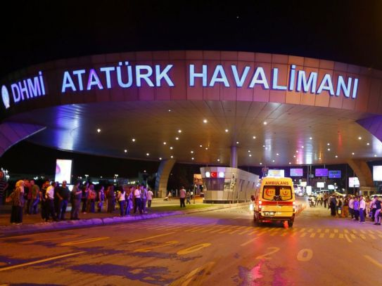 rtr_turkish_airport_attack_02